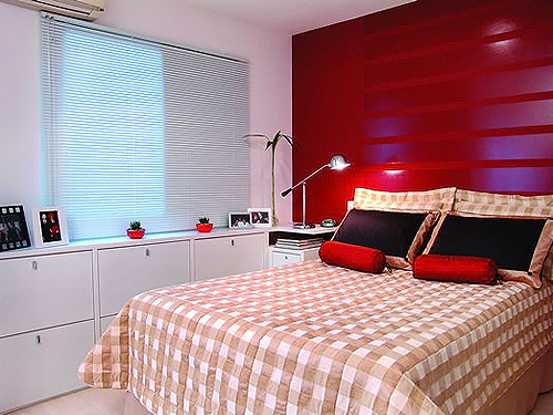 Apartas on Pinterest  Quartos, Mesas and Bedroom Red