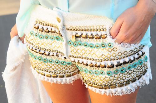 shorts com pedraria